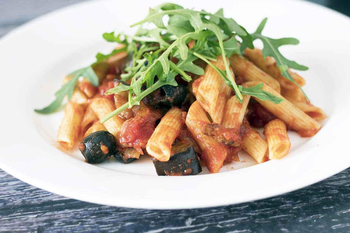 smoky aubergine and tomato pasta sauce with rocket