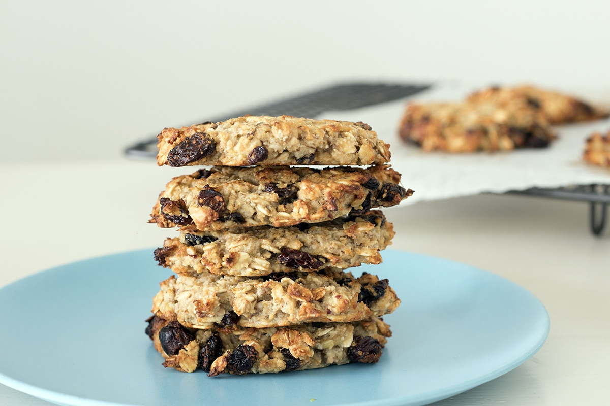almond, oat and banana cookies by Sneaky Veg