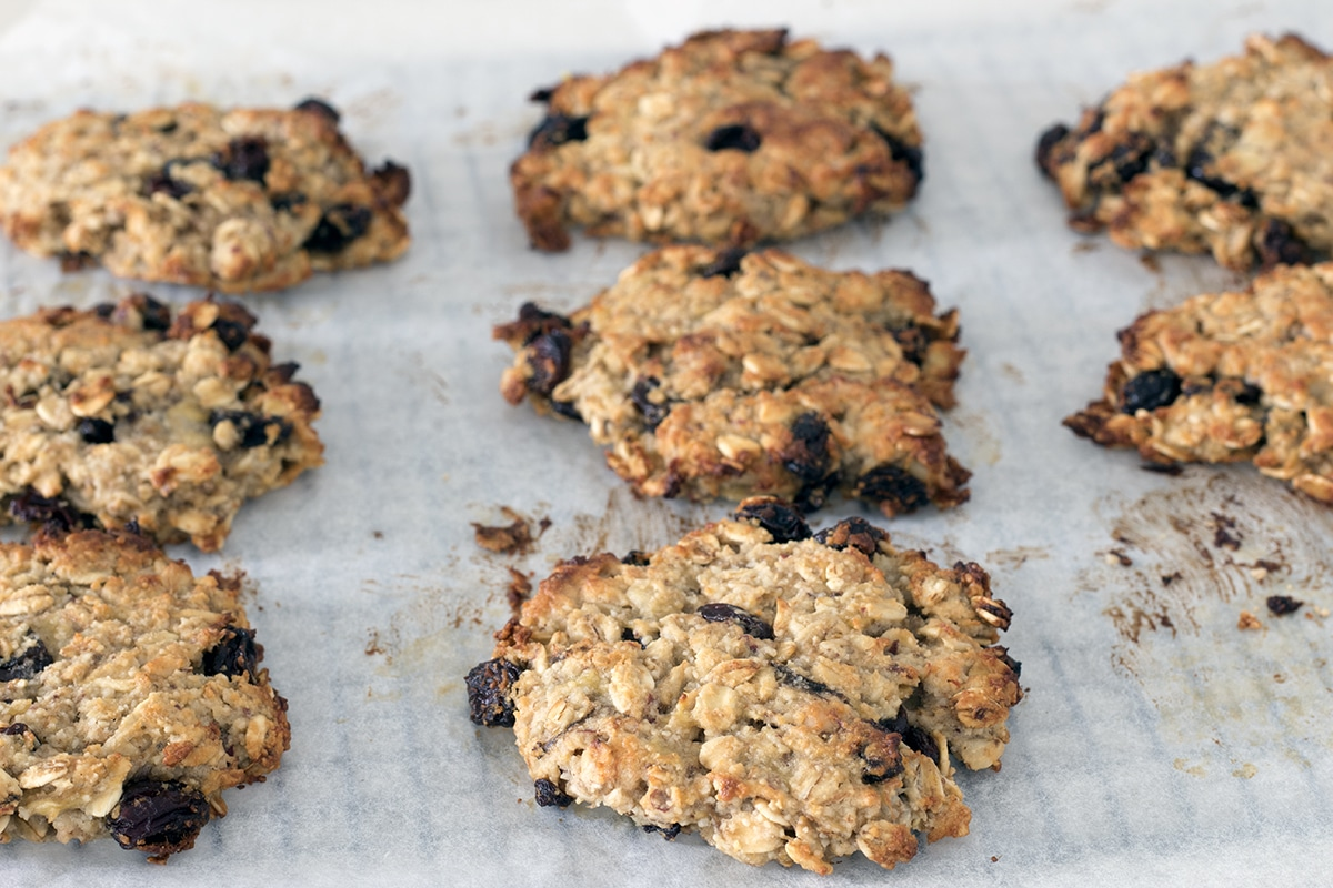 oat, almond and banana cookies by Sneaky Veg