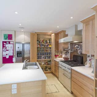 Balham Maple Kitchen designed and made by Tim Wood : Modern kitchen by Tim Wood Limited