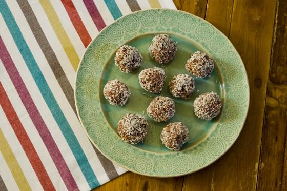 raw berry bliss balls recipe