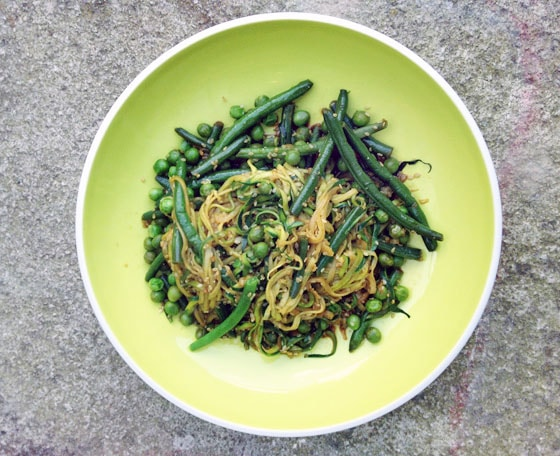 courgette noodles stir fry on green plate
