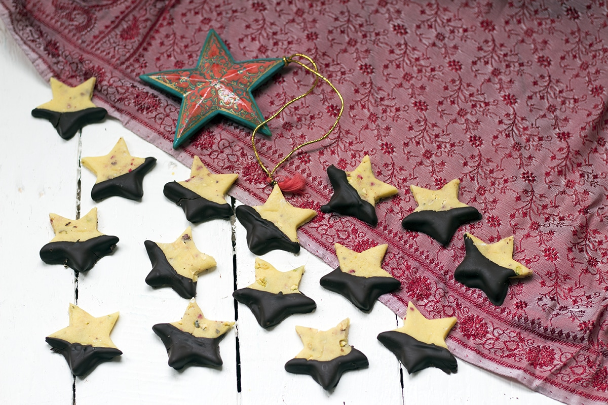chocolate-dipped Christmas marzipan starsv