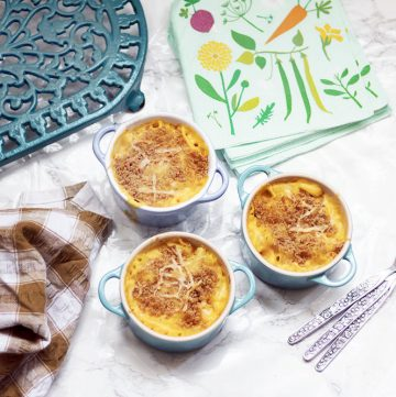 small pots of hidden vegetable macaroni cheese