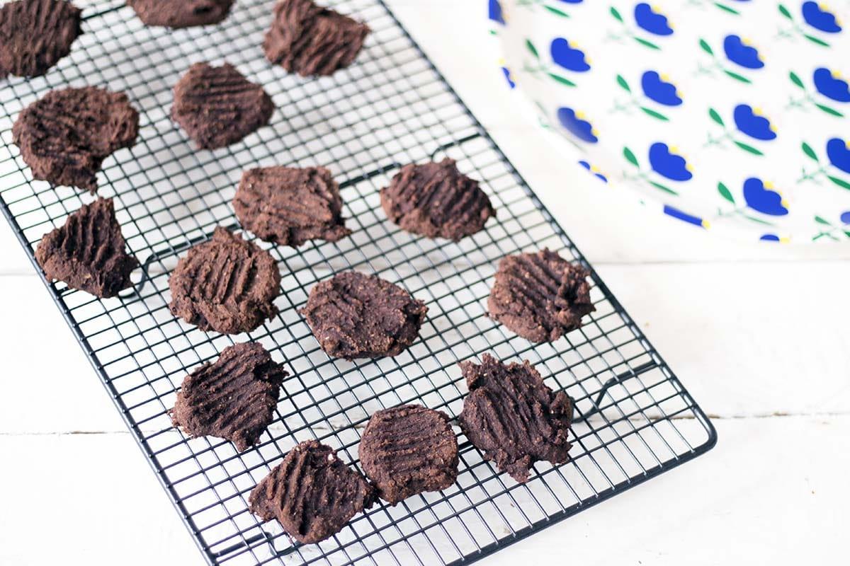 black bean cookies by sneaky veg