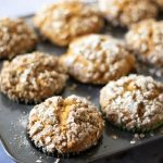 Vegan pumpkin muffins with streusel topping