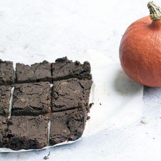 healthy pumpkin chocolate brownies