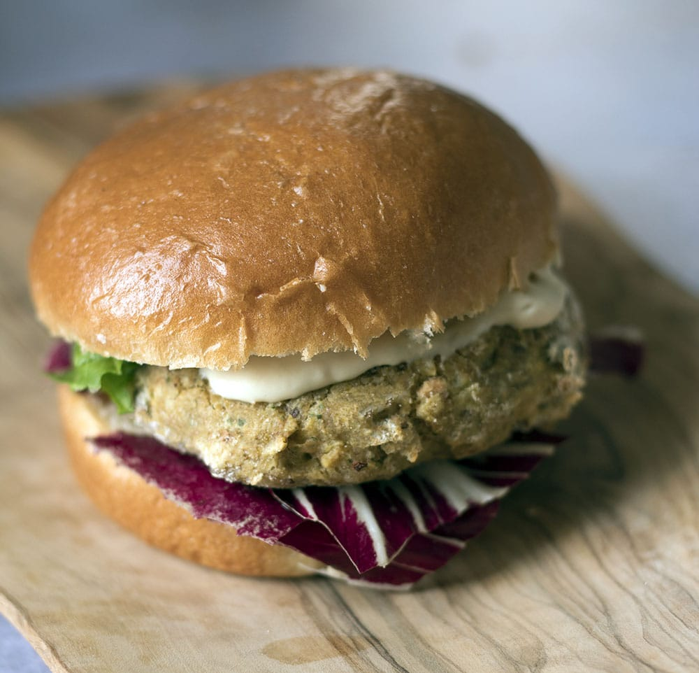 sweetcorn and chickpea veggie burgers