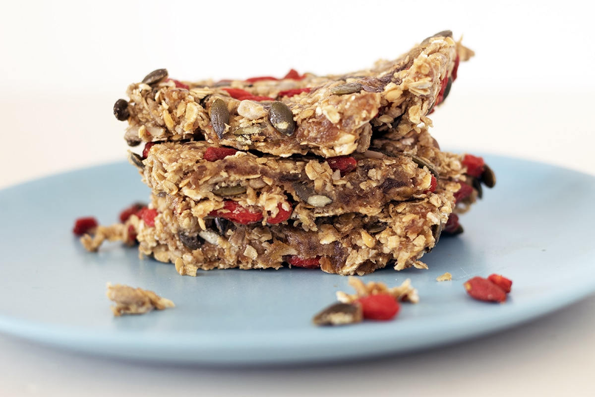 healthy cereal bars no bake by Sneaky Veg