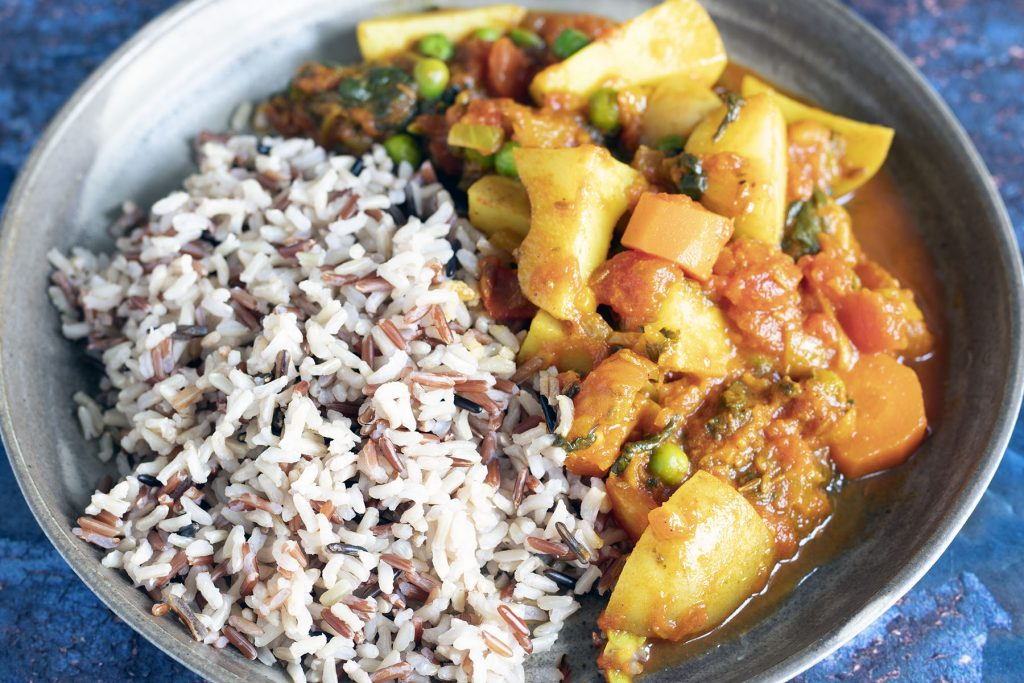 Mixed vegetable curry with rice