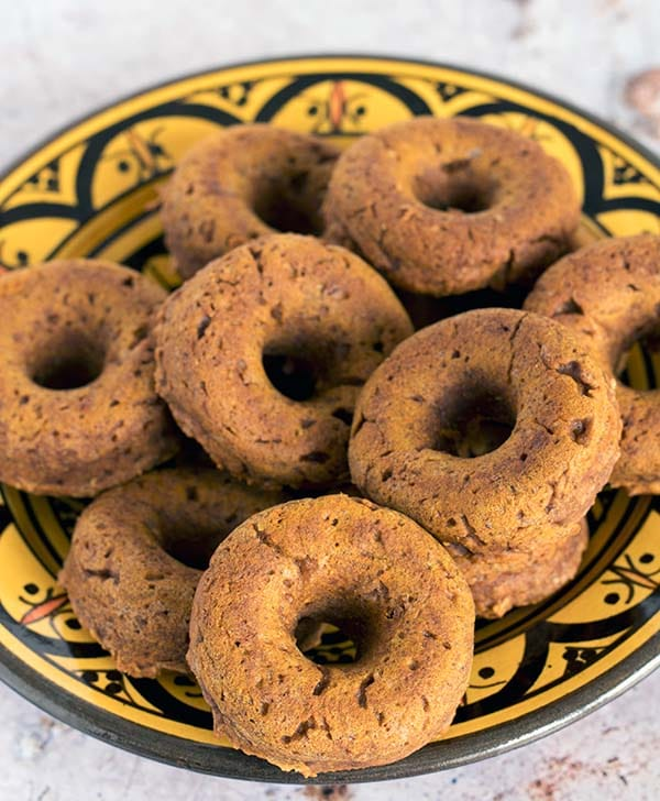 baked pumpkin doughnuts by sneaky veg