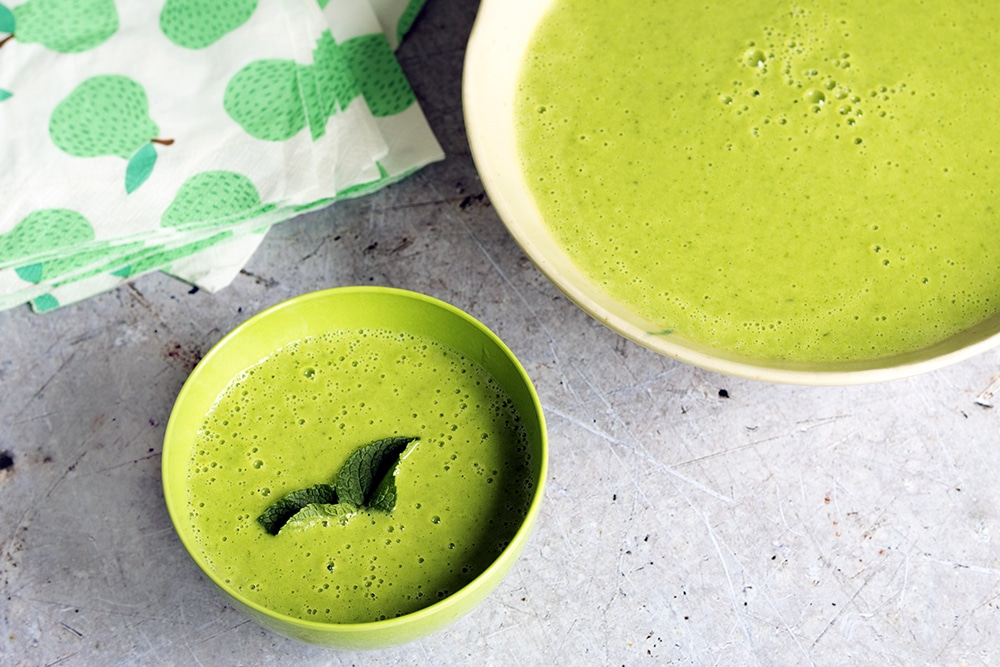 easy pea and mint soup recipe by Sneaky Veg