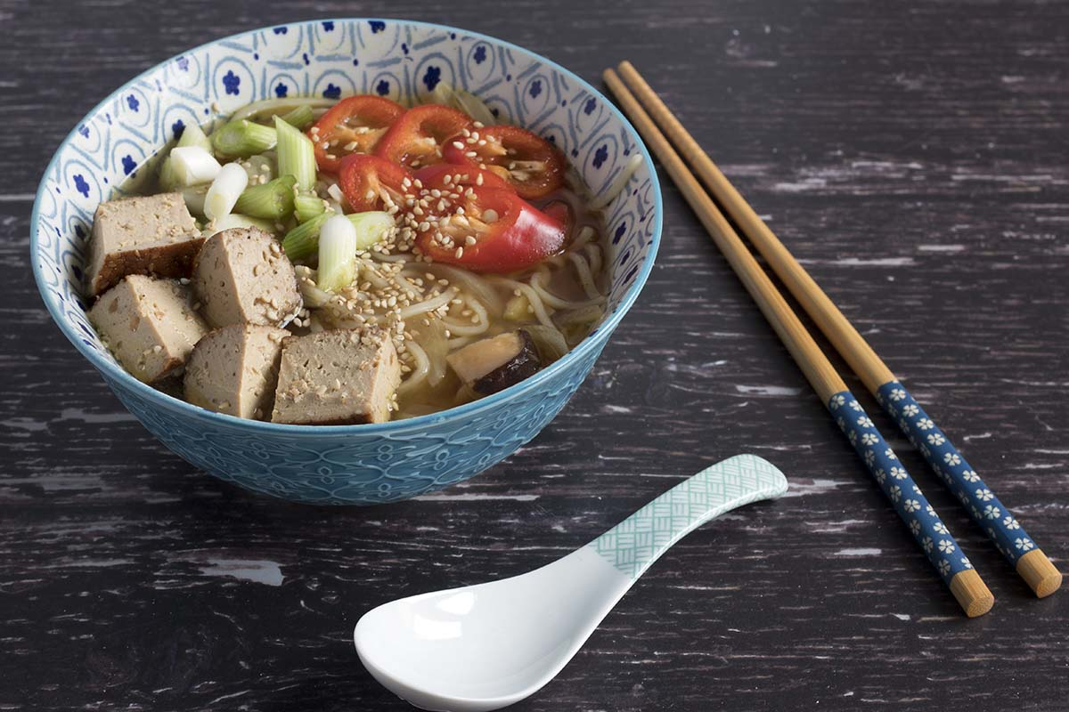 easy vegan microwave ramen by Sneaky Veg