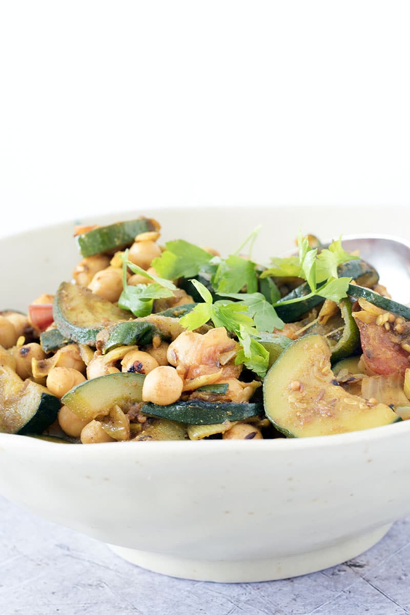 summer chickpea and courgette curry