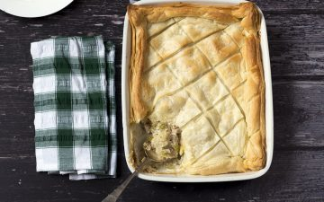 vegan chicken and leek pie in roasting dish