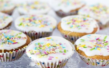 vegan vanilla cupcakes with sprinkles