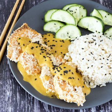 vegan katsu curry with rice and pickles