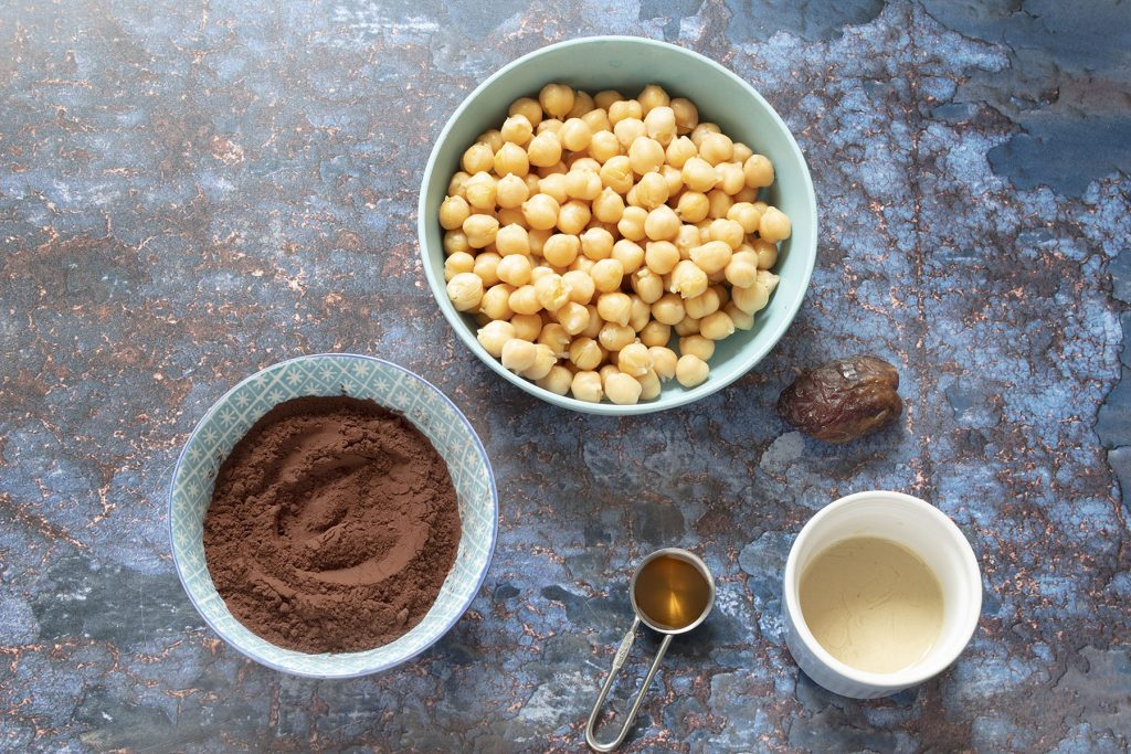 ingredients for chocolate hummus